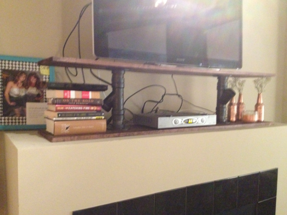DIY: TV Stand Close UP